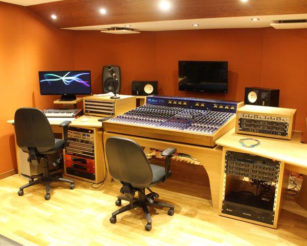 Music Production FdA (Foundation Degree) (Worthing)