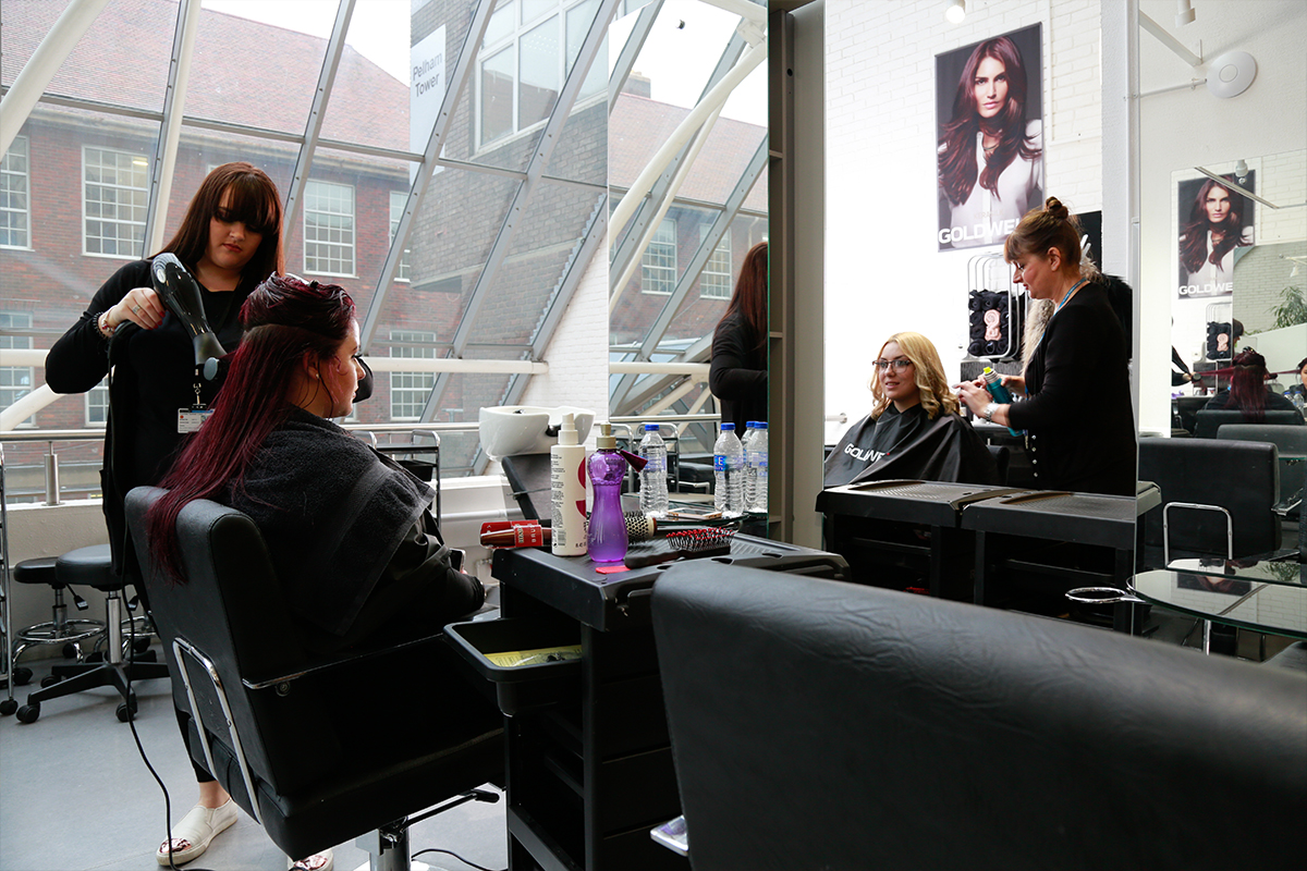 Metro hair and beauty salon